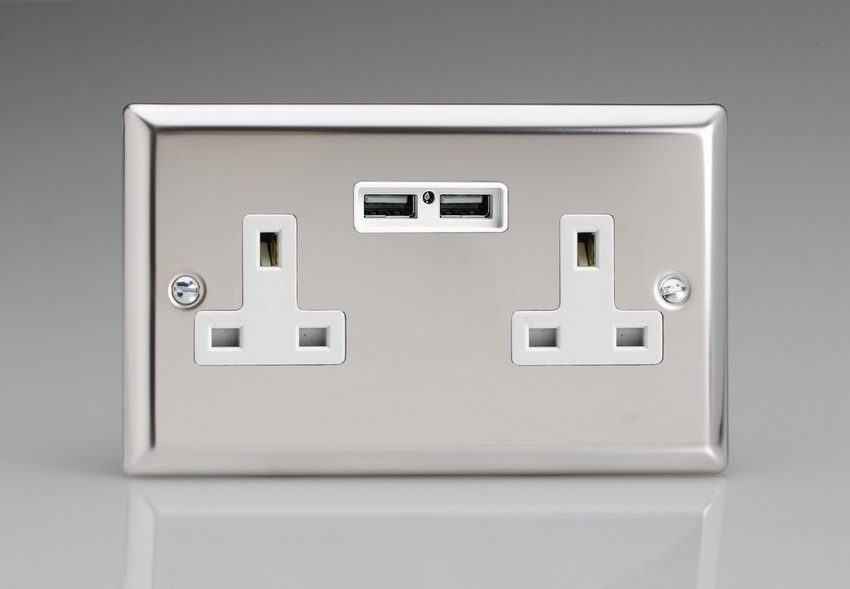 XC5U2W Varilight 2 Gang, 13 Amp Unswitched Socket with 2 Optimised USB Charging Ports, White Insert. Classic Polished Chrome)
