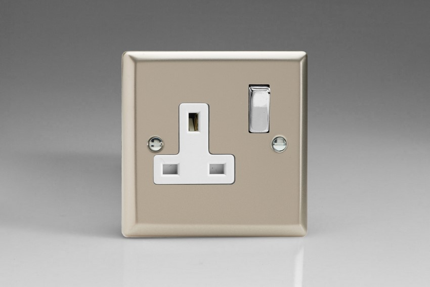 XN4DW Varilight 1 Gang (Single), 13 Amp Switched Socket, Classic Satin Chrome