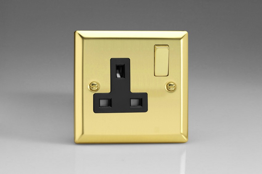 XV4DB Varilight 1 Gang (Single), 13 Amp Switched Socket, Classic Victorian Polished Brass Effect