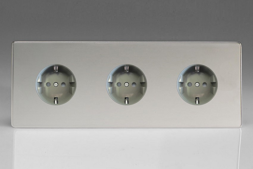 XEC555FG Varilight European 3 Gang (Triple), Schuko Flush Design Socket, Dimension Screwless Polished Chrome (Triple Plate)