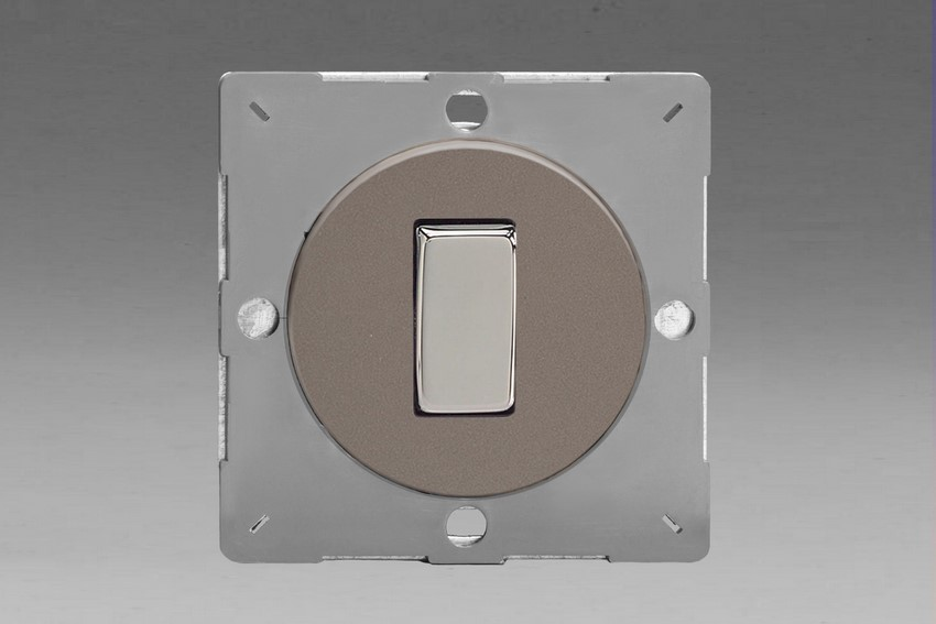 Z1EG1R-P Varilight European VariGrid 1 gang 1 or 2 Way 10A Rocker Polished Chrome Switch, for use with VariGrid Single, Double and Triple Faceplates