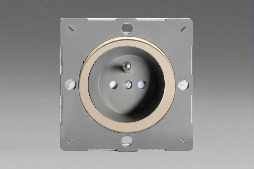 Z1EG4FGN-P Varilight European VariGrid 1 gang 16A Socket with Pin Earth, Flush Design, for use with VariGrid Single, Double and Triple Faceplates