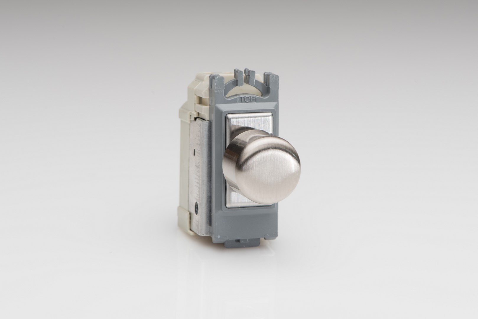 GH0S is a Brushed Steel 1 Gang, Push On/Off Non-Dimming (Dummy Dimmer) module for Varilight power grid plates.