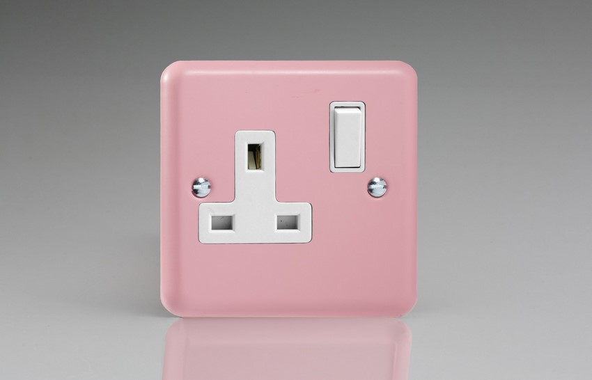 XY4W.RP Varilight 1 Gang (Single), 13 Amp Switched Socket, Classic Lily Rose Pink