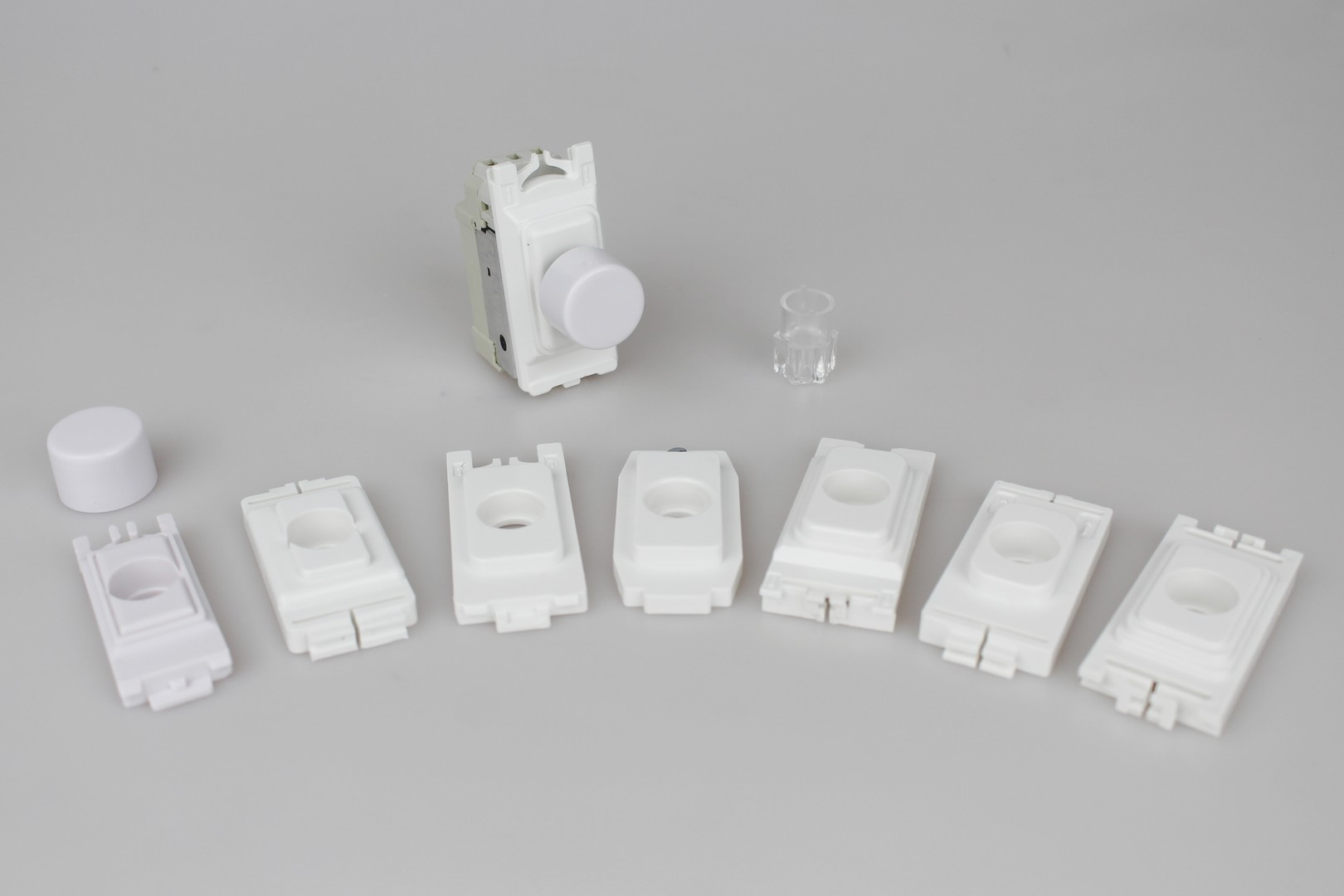 GPINTW.MG Varilight Non-dimming 'Intermediate Dummy' Series White Power Grid Module, 3 Way Up To 1000 Watt Module