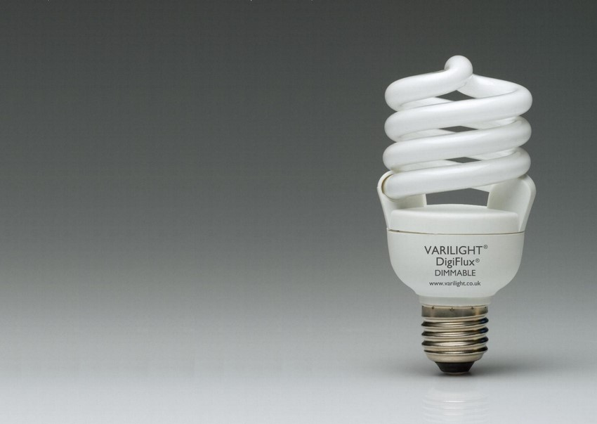 YCA20S-E27 Varilight Switch Dimmable Energy Saving Lamp with Edison Fitting. 1250 Lumens, equivelant to 110 Watt GLS Lamp.