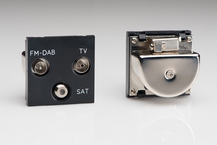 Z2GTRiB Varilight Triplex TV/SAT/FM (+DAB) Module in Black. Use with Varilight Data Grid Plates