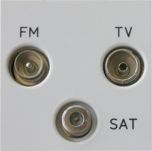 Z2GTRiW Varilight Triplex TV/SAT/FM (+DAB) Module in White. Use with Varilight Data Grid Plates